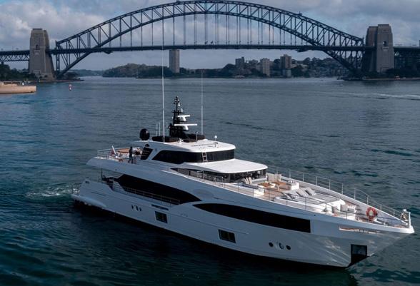 103ft-yacht2